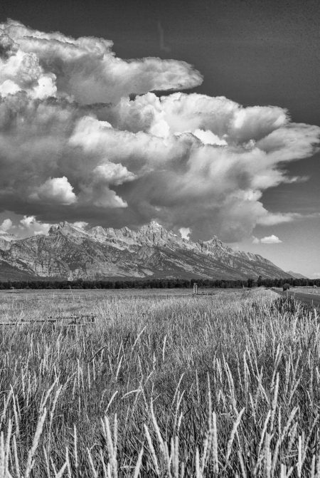 Teton Cloud Overhang B+W 2 (1 of 1)